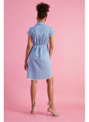 Z Giyim Kadın  Açık Mavi  Çıtçıtlı Kuşaklı Kot Elbise Mavi